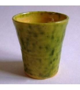 Gobelet médiéval émaillé vert