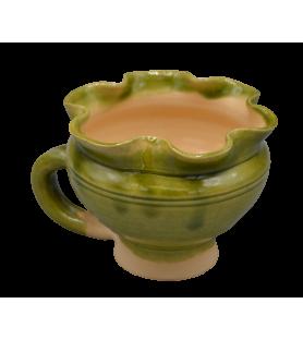 Tasse médiévale polylobée, vernissée verte